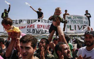 pressure-mounts-at-piraeus-port-between-officials-volunteers