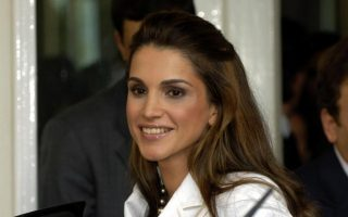 jordan-s-queen-rania-latest-high-profile-figure-to-visit-lesvos0