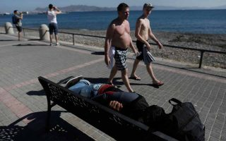 migration-crisis-offsets-benefit-from-greece-being-a-safe-destination