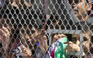 greece-starts-letting-migrants-leave-island-camps