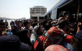 greece-to-migrants-move-to-camps-voluntarily-or-be-forced