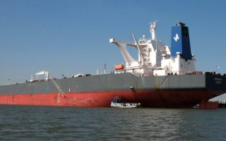 greek-shippers-borrowing-from-local-banks-fell-last-year