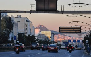 greek-drivers-scared-of-others-but-admit-to-sins-at-wheel