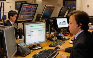 investors-are-still-reluctant-to-take-on-any-greek-risk