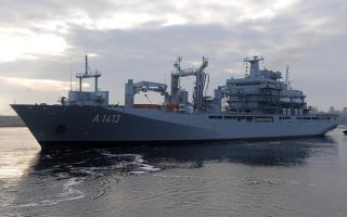 first-us-navy-ship-joins-nato-effort-in-aegean-sea0