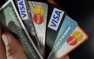 restaurants-bars-and-the-self-employed-forced-to-have-card-terminals-from-august