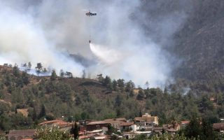 firefighter-dies-during-battle-with-huge-cyprus-forest-fire