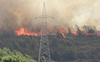 firefighters-battle-large-blaze-on-rhodes-village-evacuated