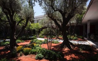 archaeological-museum-s-new-garden-dedicated-to-mythology