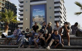 hope-lost-in-greece-some-syrians-pay-smugglers-to-get-home