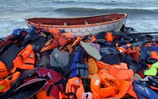 abandoned-refugee-life-jackets-recycled-into-revenue-raising-items