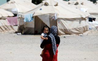 greece-returns-13-syrian-refugees-to-turkey