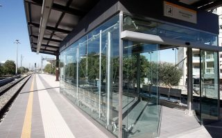 no-isap-or-proastiakos-trains-on-thursday-as-staff-walk-out