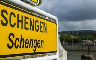eu-allows-five-nations-to-extend-border-checks