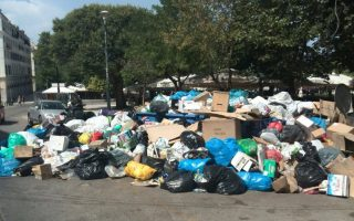 trash-piles-up-on-streets-of-corfu-as-residents-block-landfill