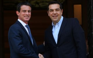 french-pm-valls-promises-greece-more-help-with-reforms