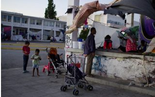 poll-finds-greeks-among-most-anti-migrant-in-eu
