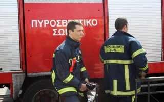 six-suffer-breathing-problems-in-bus-fire-on-crete