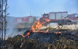 fire-breaks-out-in-kalyvia-southeast-of-athens