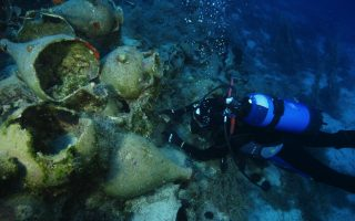 a-diver-explores-amp-8216-rich-amp-8217-archaeological-site-in-aegean