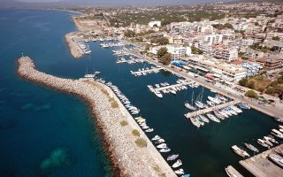 cargo-ship-clips-sailboat-off-peloponnese-no-one-injured
