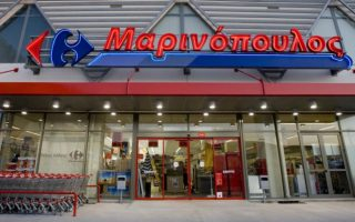staff-of-beleaguered-marinopoulos-supermarket-chain-protest-in-athens0