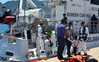 more-than-57-000-migrants-refugees-stranded-in-greece