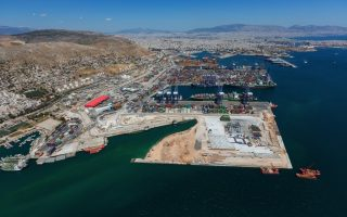 cosco-to-clinch-majority-stake-in-piraeus-port-ahead-of-further-investment