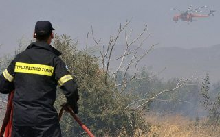 firefighters-bring-blaze-in-megara-under-partial-control