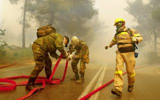 greece-amp-8217-s-fire-services-up-against-six-large-blazes