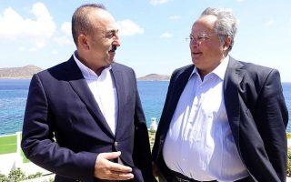 greek-fm-welcomes-turkish-counterpart-on-crete