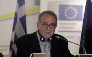 in-bid-to-decongest-migrant-centers-gov-amp-8217-t-to-move-2-000-people-to-crete