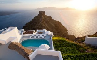 greek-hotels-keep-guests-happier-than-rivals