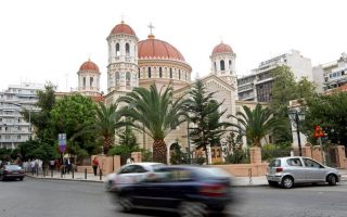 thessaloniki-cathedral-protesters-cleared-of-offensive-behavior