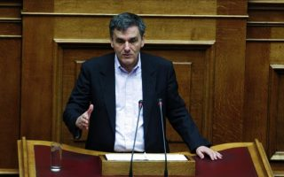tsakalotos-suggests-no-medium-term-plan-until-review-is-completed
