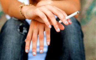 greek-teenagers-smoke-gamble-big-time-study-finds