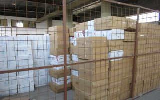 five-including-port-workers-held-for-selling-confiscated-cigarettes