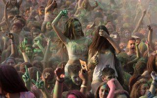 thessaloniki-soaks-in-festive-spirit-with-splash-of-colors