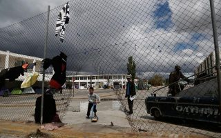 amnesty-slams-conditions-for-migrants-in-greece