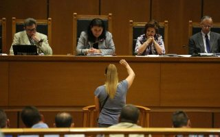 sister-of-slain-rapper-returns-to-the-stand