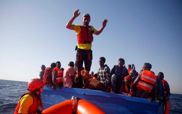 greek-fisherman-joins-rescuers-off-libya0