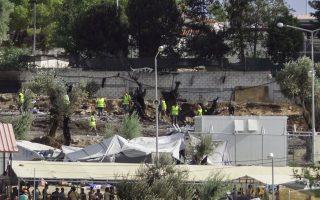 eu-migrants-to-stay-on-greek-islands-despite-fire