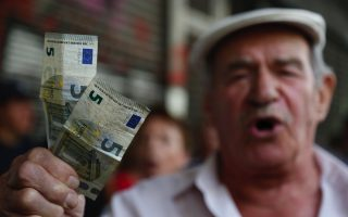 pensioners-protest-in-athens-over-new-round-of-cuts