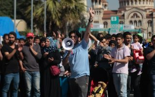 stranded-migrants-stage-protests-outside-camps