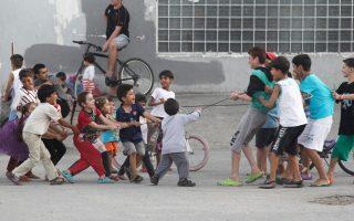 greece-prepares-to-induct-22-000-refugee-children-in-schools
