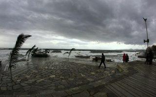 tornado-spawns-damage-in-katakolo