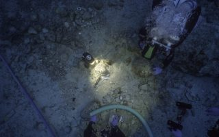 human-remains-found-in-ancient-wreck