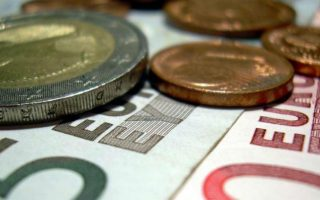greek-consumer-prices-rise-in-december-led-by-alcohol-transport-costs