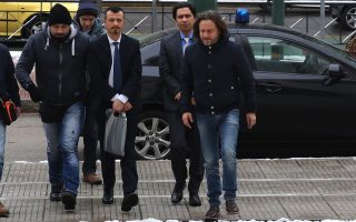 prosecutor-objects-to-extradition-of-two-turkish-officers