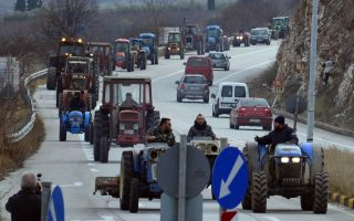 farmers-gun-their-engines-threatening-major-protests